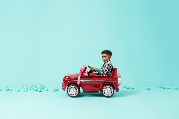 70-Holiday17_Toys_RideOn-728-V02